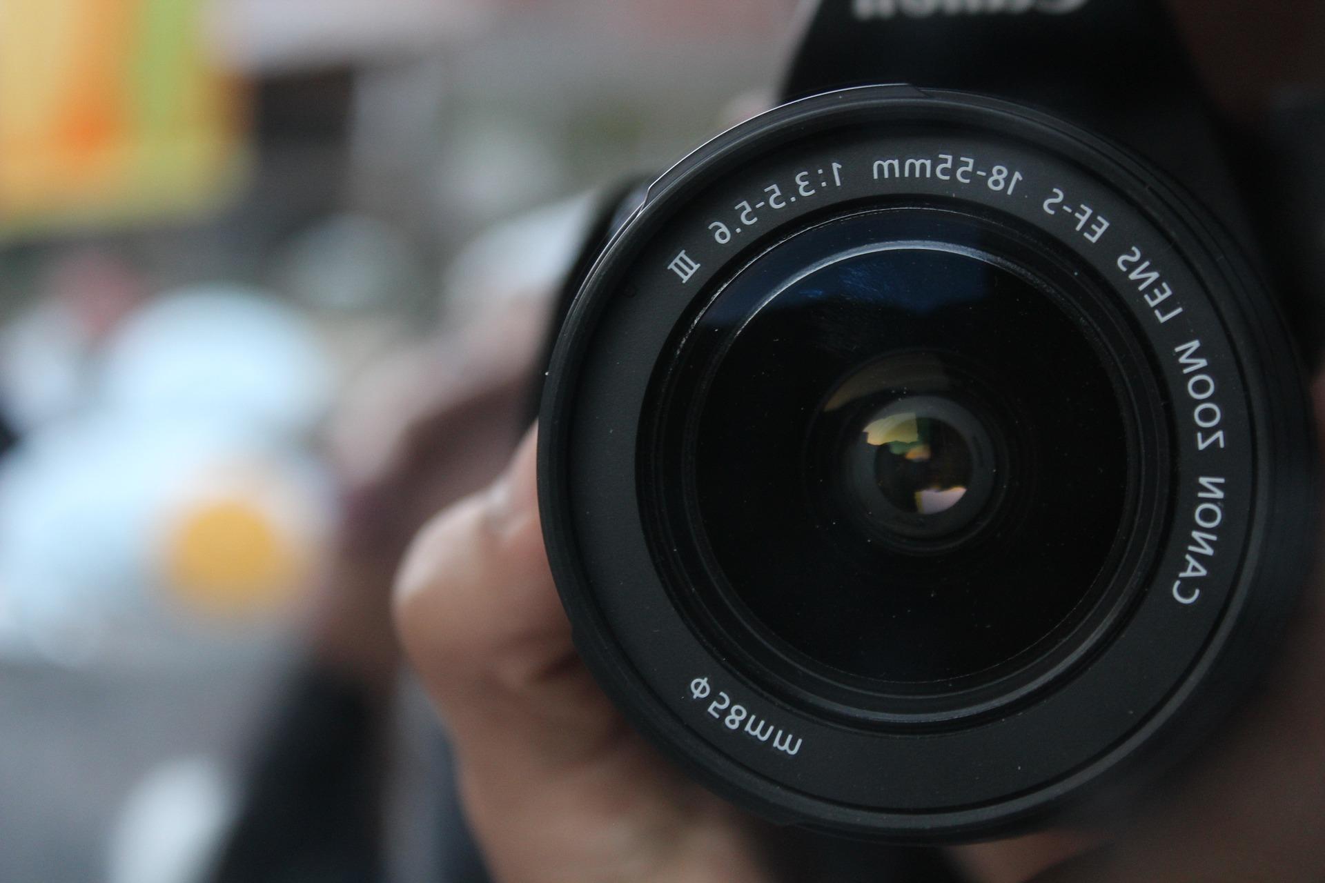 一眼レフカメラ初心者の私が初めて買うカメラをキャノンに選んだ理由