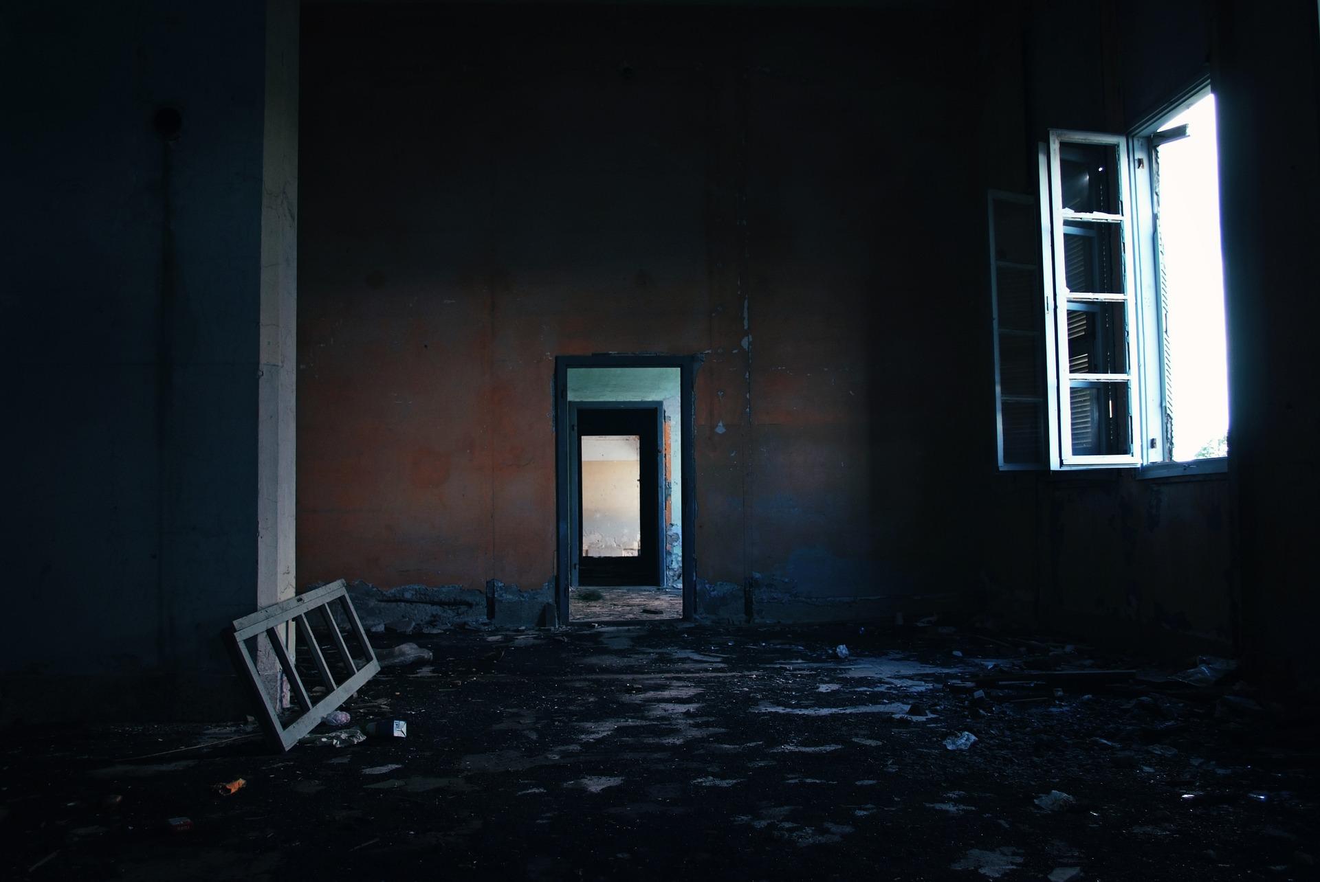 もしも一眼レフカメラ初心者が廃墟の撮影に興味を持ってしまったら