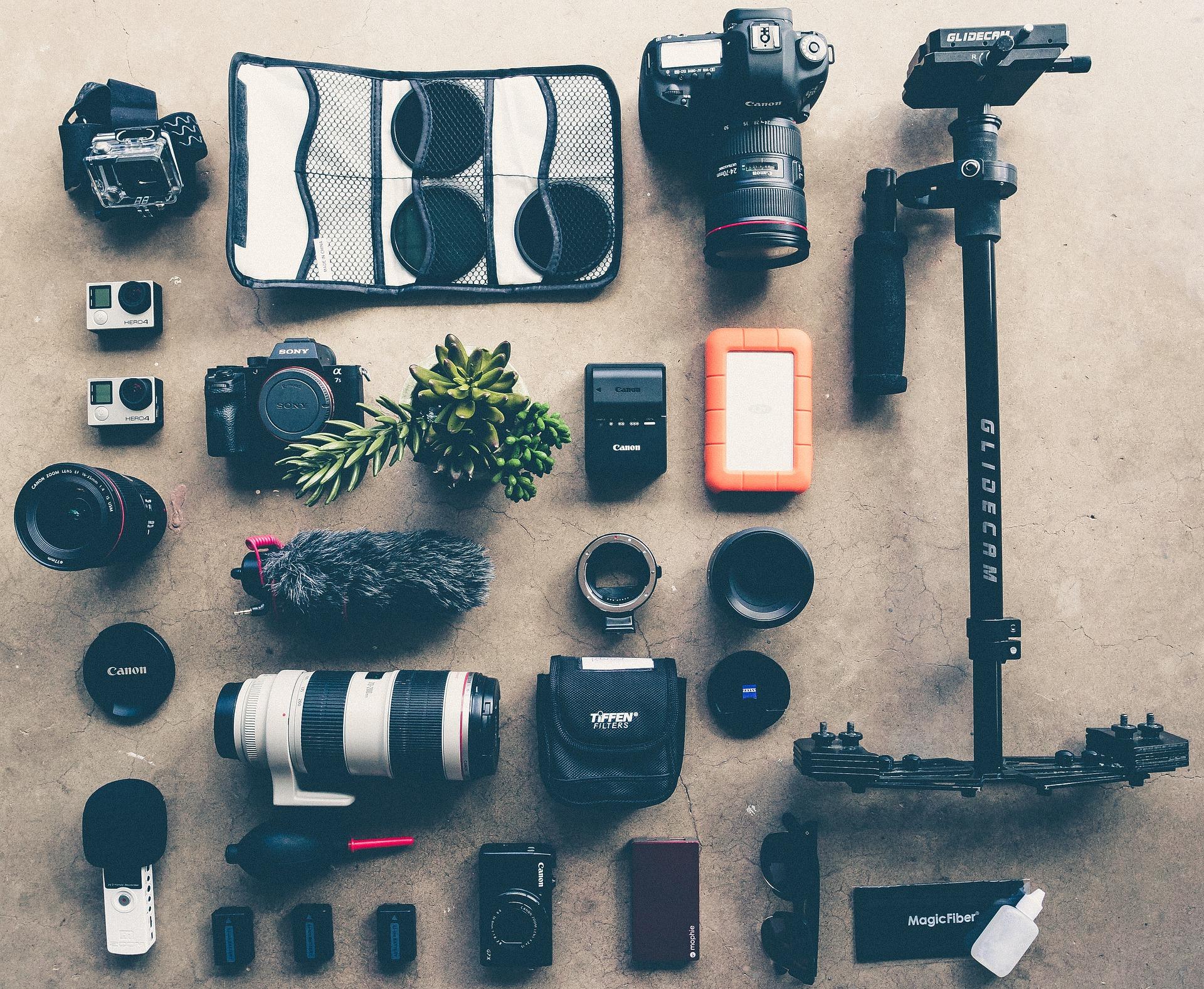 カメラ撮影におすすめの便利グッズ6選!カバンに収まる小物アクセサリー