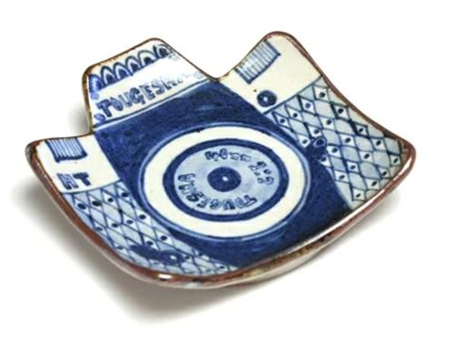 カメラモチーフのお皿
