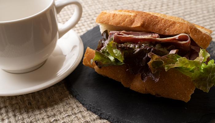 サンドイッチ暗い